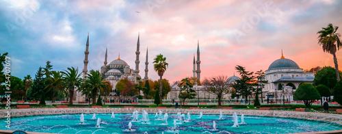Fotografiet The Blue Mosque, (Sultanahmet Camii) in sunset, Istanbul, Turkey.