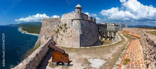 Fotografia Wide Panoramic View of Castillo del Morro or San Pedro de la Roca Castle Fort on