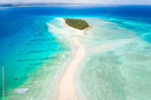 Aerial view of Nosy Iranja with a turquoise sea and white sand, north of nosy be Fototapeta