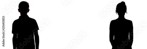 Fototapeta premium figura sylwetka chłopca i dziewczynki na białym tle, porównanie płci, nieporozumienie między młodym mężczyzną i kobietą