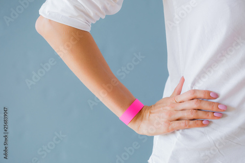 Fotografía Mockup template of pink arm bracelet wristband