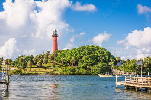 Fototapeta Jupiter, Florida, USA inlet and light house.