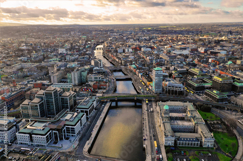 Canvas Print Dublin - Luftbilder von Dublin mit DJI Mavic 2 Drohne fotografiert aus ca