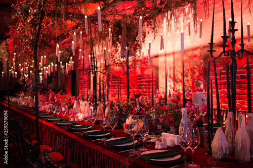 Leinwand Poster Table wedding decor in red and black tones