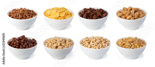 Photo cereal flakes on white background