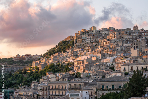 Obraz na plátne View over the village of Modica in the south of Sicily, Italy