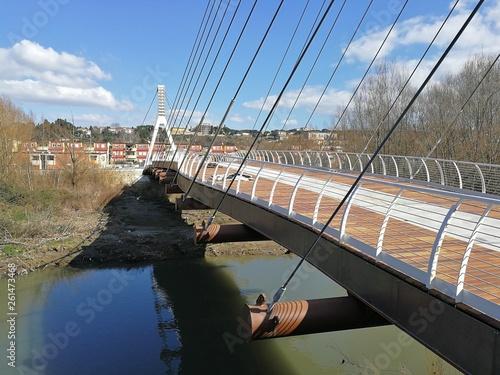 Fototapeta premium Benewent - przęsło rowerowe i most dla pieszych