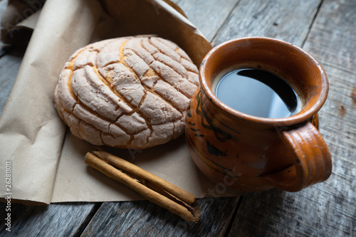 Photographie Mexican bread and coffee
