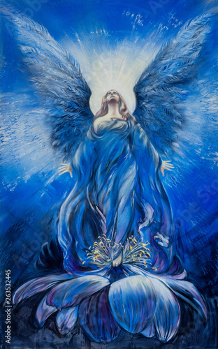 Foto Majestic blue angel of love in a lotus flower looks up in the radiance to the di