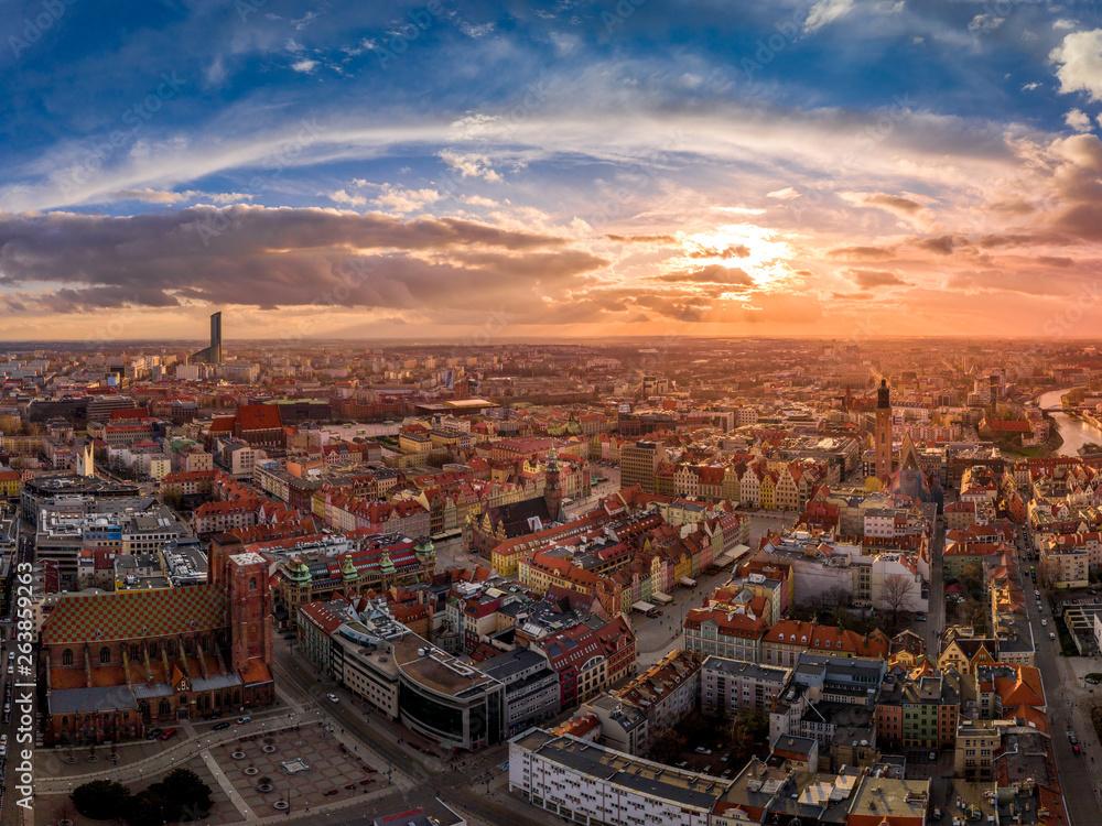 Sunset over Wrocław aerial view <span>plik: #263859263 | autor: Artur</span>
