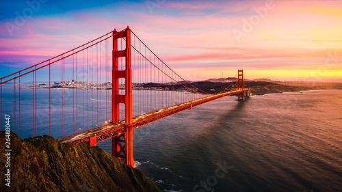 Canvas Print The Golden Gate Bridge at Sunset, San Francisco , CA
