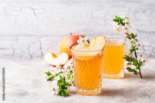 Tableau sur Toile Glasses with fresh apple juice or cider