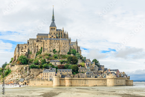 Photo Mont Saint Michel abbey on the island, Normandy, Northern France, Europe