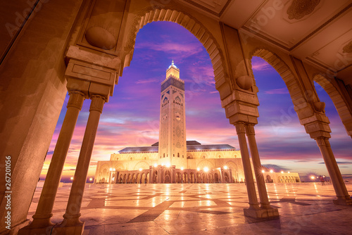 Fotografie, Obraz The Hassan II Mosque at sunset in Casablanca, Morocco