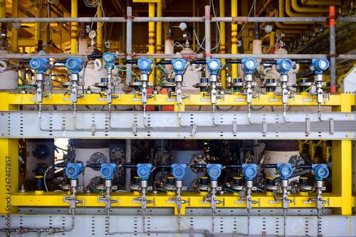Billede på lærred Pressure transmitter to monitor downstream pressure.