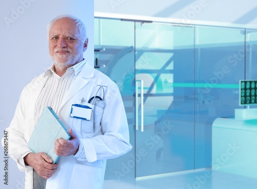 Obraz na płótnie White haired doctor professor at hospital