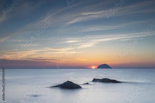 Foto south ayrshire, seascape, island, firth of clyde, ailsa craig, background, beach