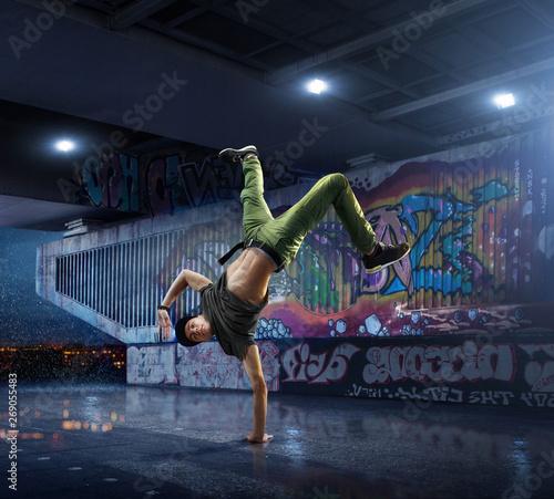 Canvas Print Male Hip Hop Dancer