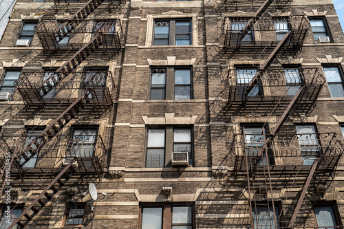 Canvastavla fire escape ladder in new york city building
