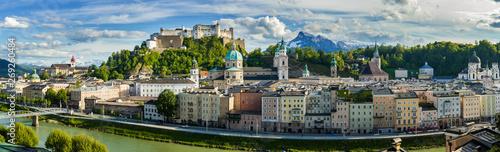Fototapeta premium Widok na panoramę Salzburga z Austrii