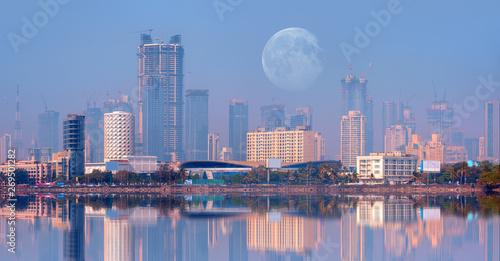 Obraz na plátne Mumbai is the financial and entertainment capital of India - Construction crane