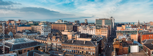 Foto A wide panoramic looking out over buildings and streets in Glasgow city centre