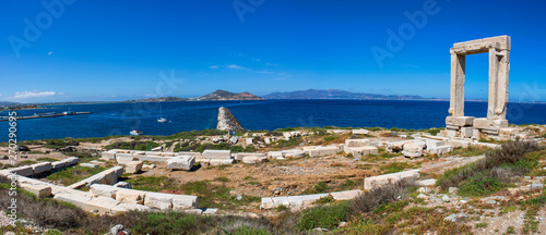 фотография Panorama sur les vestiges du temple d'Apollon, île de Naxos, Cyclades, Grèce