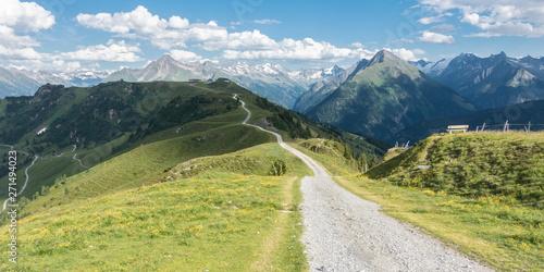 Photo Panorama eines Mountainbike Trails in den Alpen