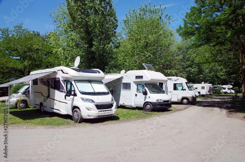 aire de  camping car Fototapet