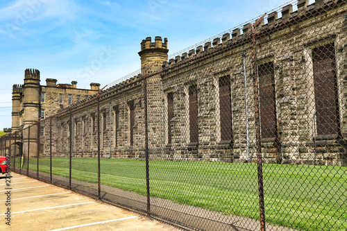 The Moundsville, West Virginia Penitentiary was built in 1866 and remained operational until 1995 Fototapeta