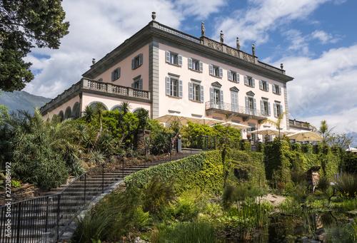 Fototapeta Hotel Villa Emden auf den Brissago-Inseln, Tessin, Schweiz
