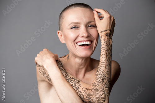 Fototapeta Happy Skinhead woman portrait