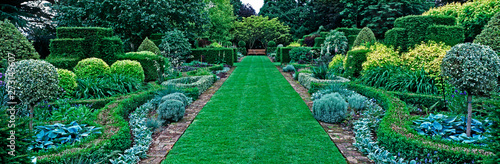 Panoramic view of the pattern border in the upper gardenof a country house garde Fototapeta