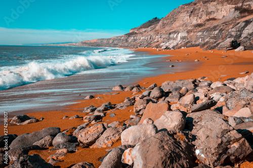 Obraz na plátně Sunny Isle of Wight Beach with Rocky Cliffs, Orange sand, White surf