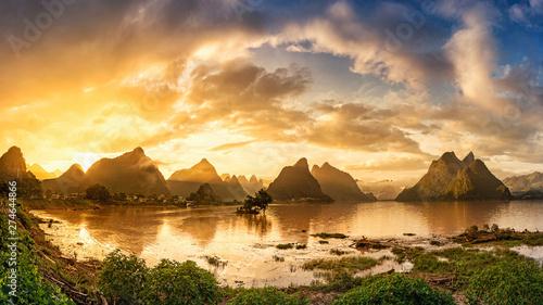 Fotografie, Obraz Sunrise of Guilin, Li River and Karst mountains