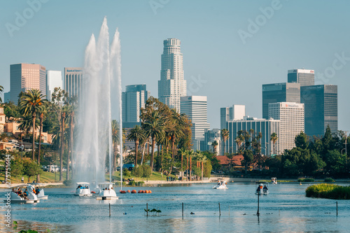 Fotografie, Obraz The Los Angeles skyline and lake at Echo Park, in Los Angeles, California