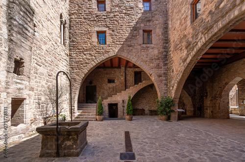Obraz na płótnie View of the Courtyard in the medieval castle of Cardona