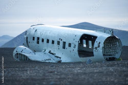 Obraz na plátně The abandoned DC-3 Airplane on Solheimasandur beach