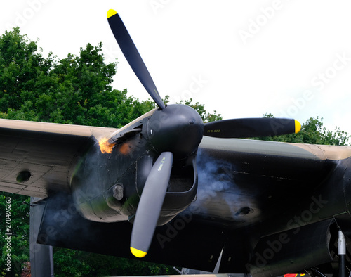 Carta da parati Starting the starboard outer merlin engine on a British Lancaster bomber