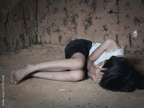 Fotografia Human trafficking concept, human rights violations, Stop violence and abused children