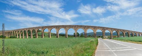 Canvastavla roman aqueduct and road