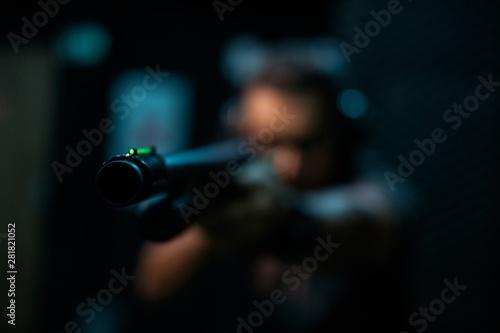 Carta da parati man with shotgun