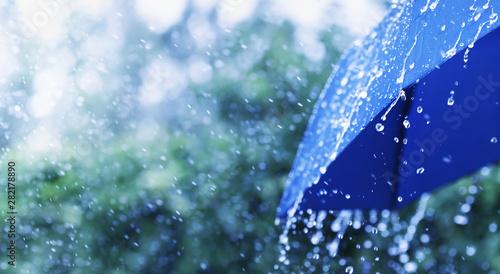 Obraz na płótnie Lifestyle scene of rainy weather