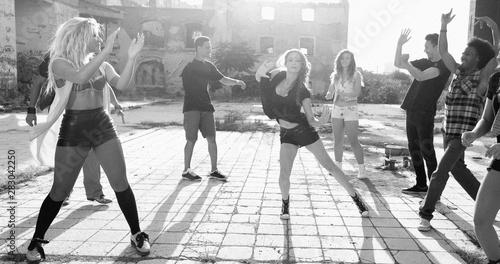 Canvas Print Energetic young hip hop street dancers
