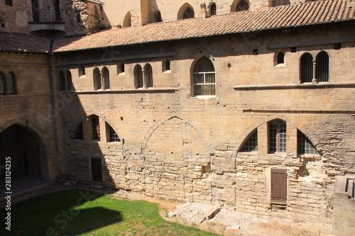 Photo les bâtiments du palais des papes à Avignon