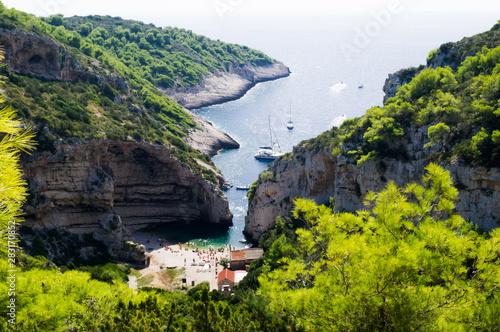 Stiniva bay, Vis island, Croatia Fototapeta