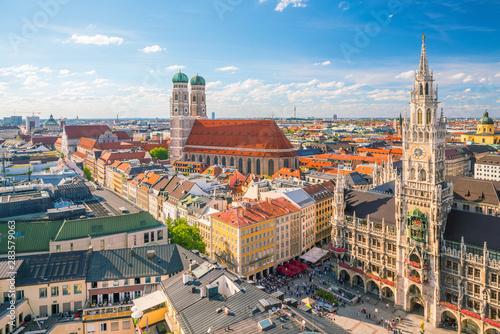 Munich skyline with  Marienplatz town hall Fototapete