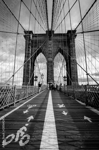 czarno-bialy-most-3d-w-nowym-jorku