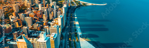 Fotografia Chicago cityscape with a view of Lake Michigan from above
