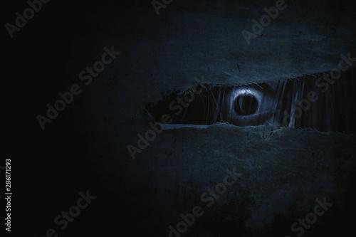 Photo Scary ghost woman eye peeking
